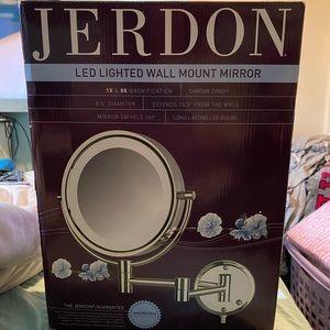 BNIB JERDON LED LIGHTED WALL MOUNT MIRROR